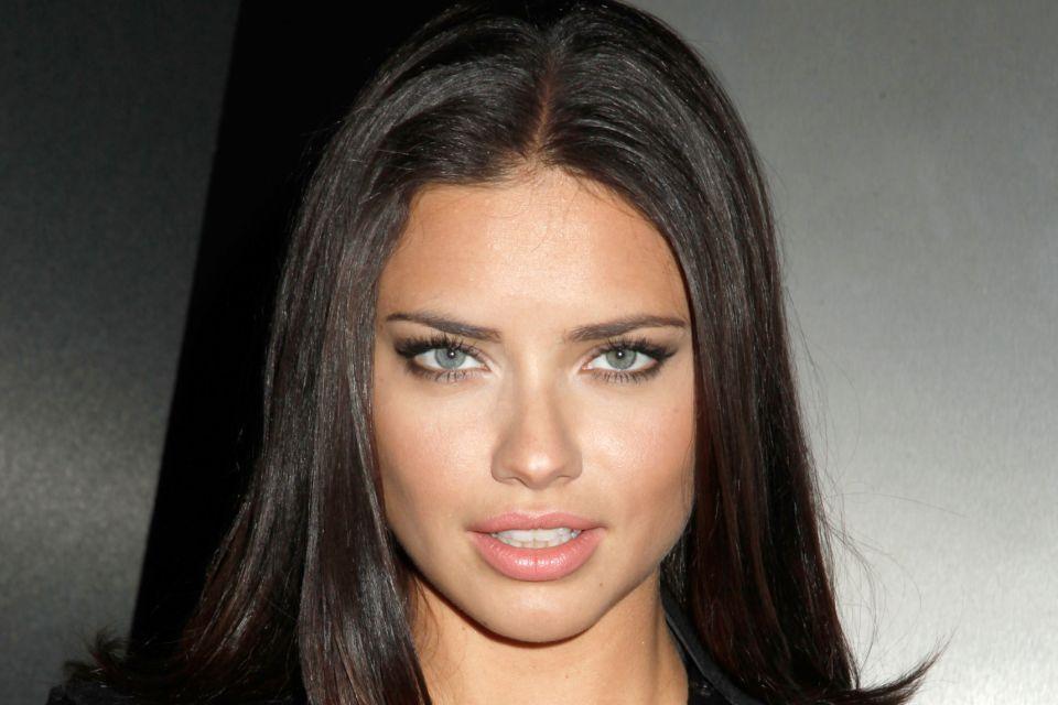 Adriana Lima (Adriana Lima)