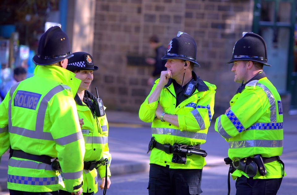 Brit rendőr (rendőr, )