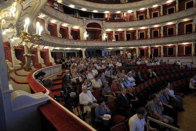Évadnyitó a Szegedi Nemzeti Színházban (Évadnyitó a Szegedi Nemzeti Színházban)