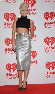 Miley Cyrus (Miley Cyrus)