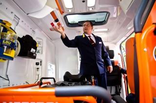 Új mentőautó (mentőautó)
