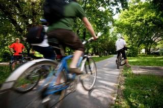 bicikli (bicikli, bicikli út, biciklista)