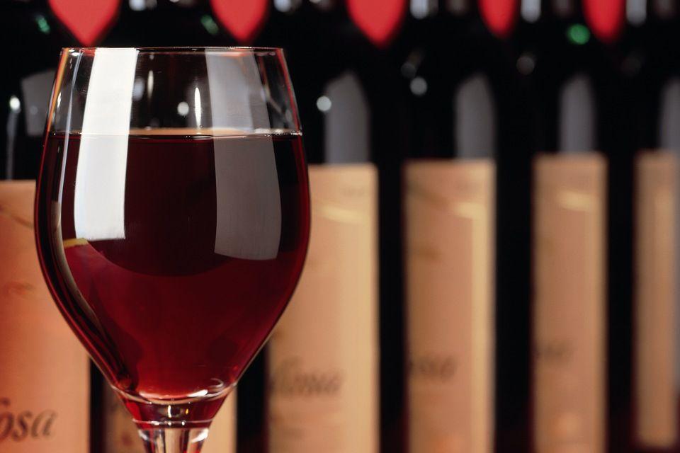 bor (vörösbor, )