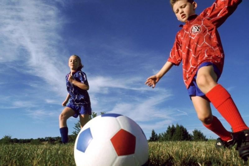 foci-gyerekek (foci, futball, gyerekek)