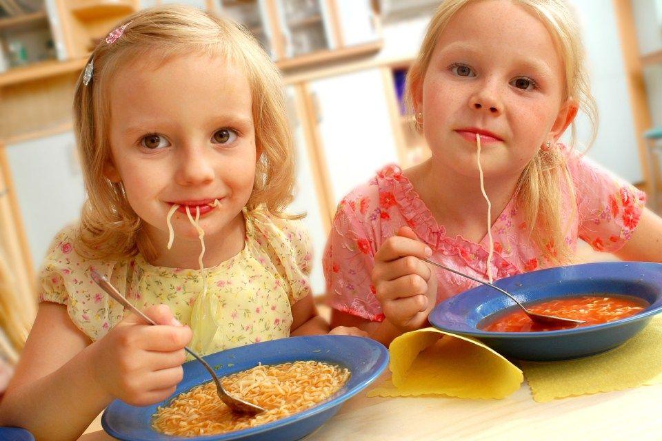 gyerekek-esznek (gyerekek esznek)
