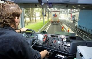 kamionsofőr (kamionsofőr, kamionos, )