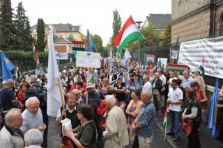 román nagykövetség-mikó-ügy (ingyenes, tüntetés román nagykövetség előtt, mikó-ügy)