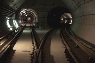 4-es metró (4-es metró, alagút, )