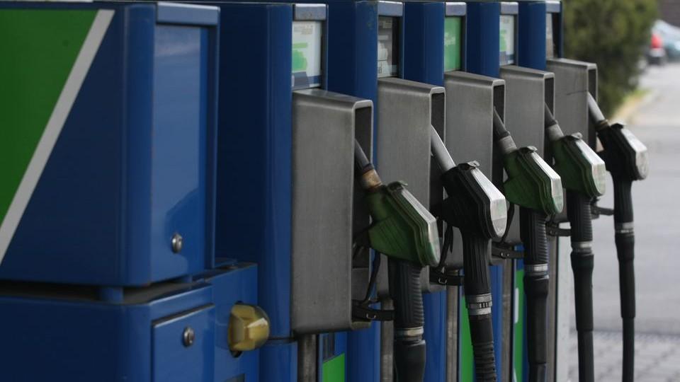 benzinkút (benzin, benzinkút, )