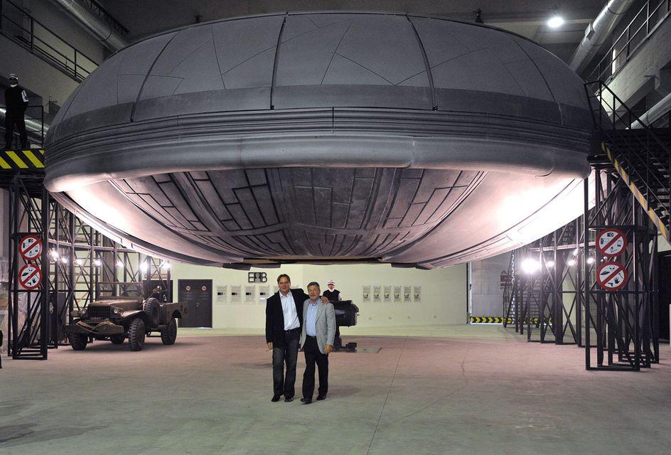 farkas bertalan az ufo hangárban (farkas bertalan, ufo-hangár)