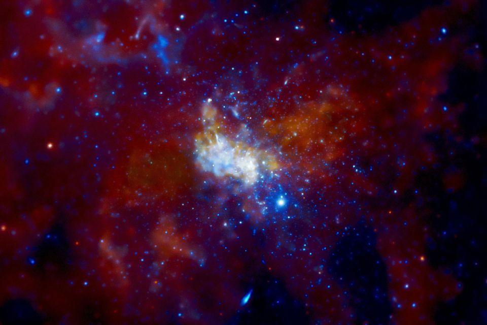 fekete lyuk-tejútrendszer (fekete lyuk, )