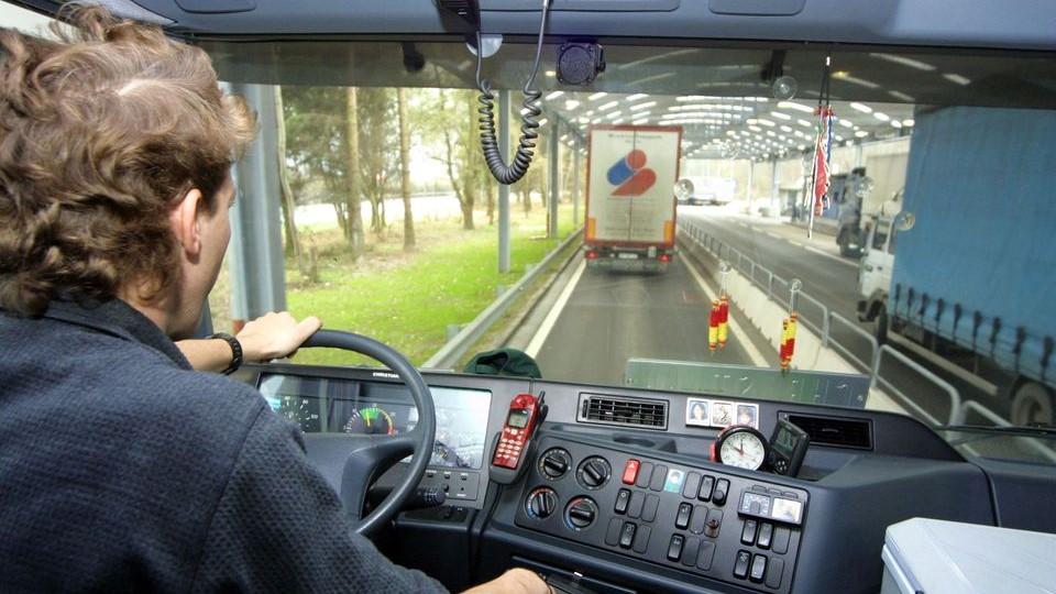 kamionsofor(960x640)(2).jpg (kamionsofőr, kamionos, )