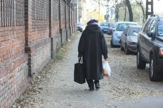 nyugdíjas (nyugdíjas, idős nő, )