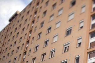 panelház (panelház, ablakok)