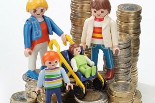 pénz-család (család, pénz, )