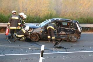 személyautónak ütközött lázár kocsija (ingyenes, )