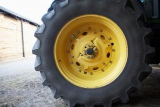 traktorgumi (traktorkerék)