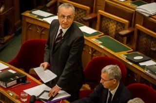 Kontrát Károly, parlament (parlament)