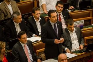 Vona Gábor, parlament (parlament)