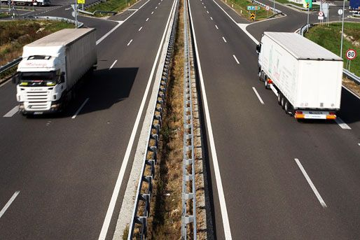 autópálya (autópálya, kamionforgalom, )