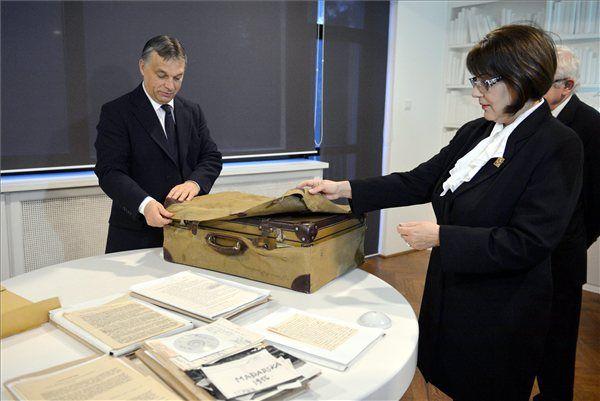 nagy imre bőröndje (nagy imre bőröndje)