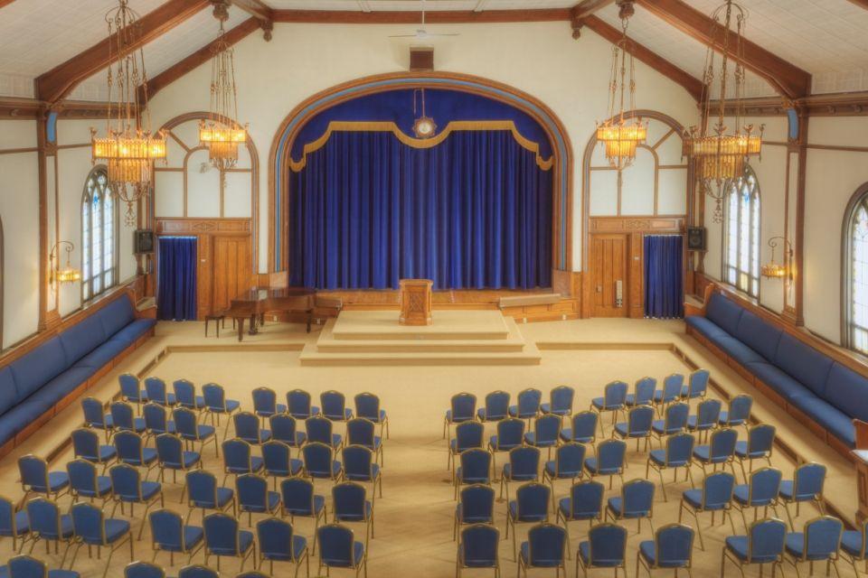 színház (színház, )