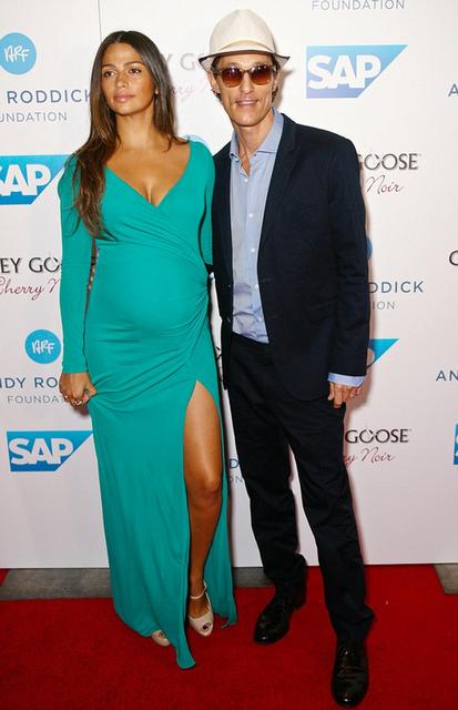 Matthew McConaughey & Camila Alves (matthew mcconaughey, camila alves, )