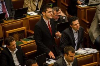 Novák Előd, parlament (parlament)