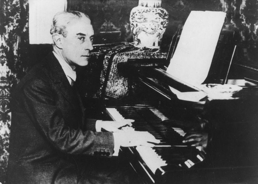 Ravel a zongoránál (zongora, zeneszerző, )