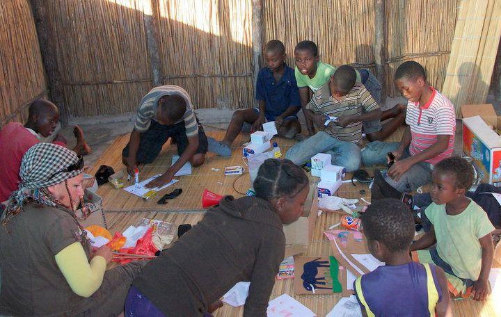 afrikai önkéntes  (Array)