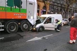 kukásautó-balesete (ingyenes, )