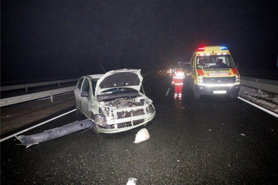 baleset csúszós úton (ingyenes, )