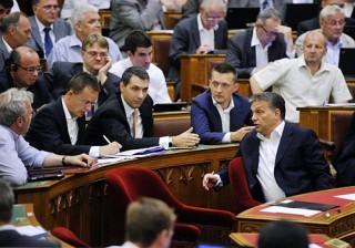 fidesz-a-parlamentben(210x140)(1).jpg (fidesz, parlament, orbán viktor, )