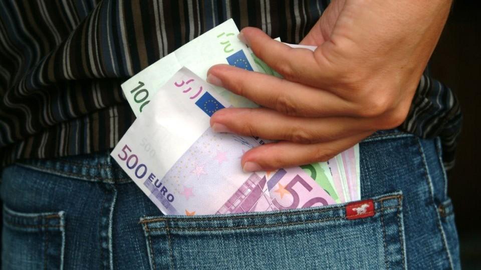 penz-zseb(430x286)(1).jpg (euró, )