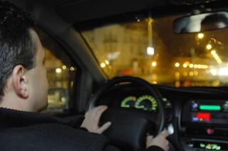 sofor(960x640)(1).jpg (sofőr, volán, vezet, vezető, autós)