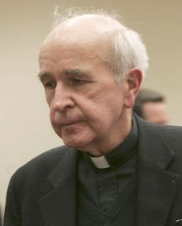 Katolikus-pap(430x286)(1).jpg (katolikus, pap, )