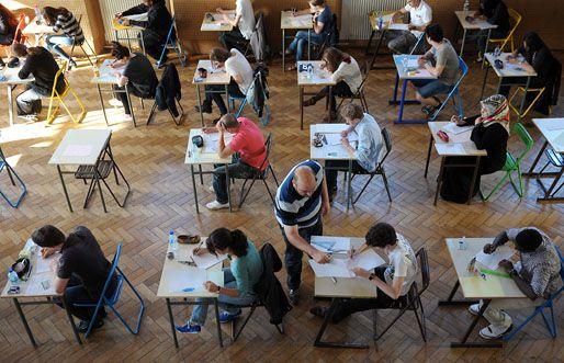 francia iskola (iskola, tanuló, diák)