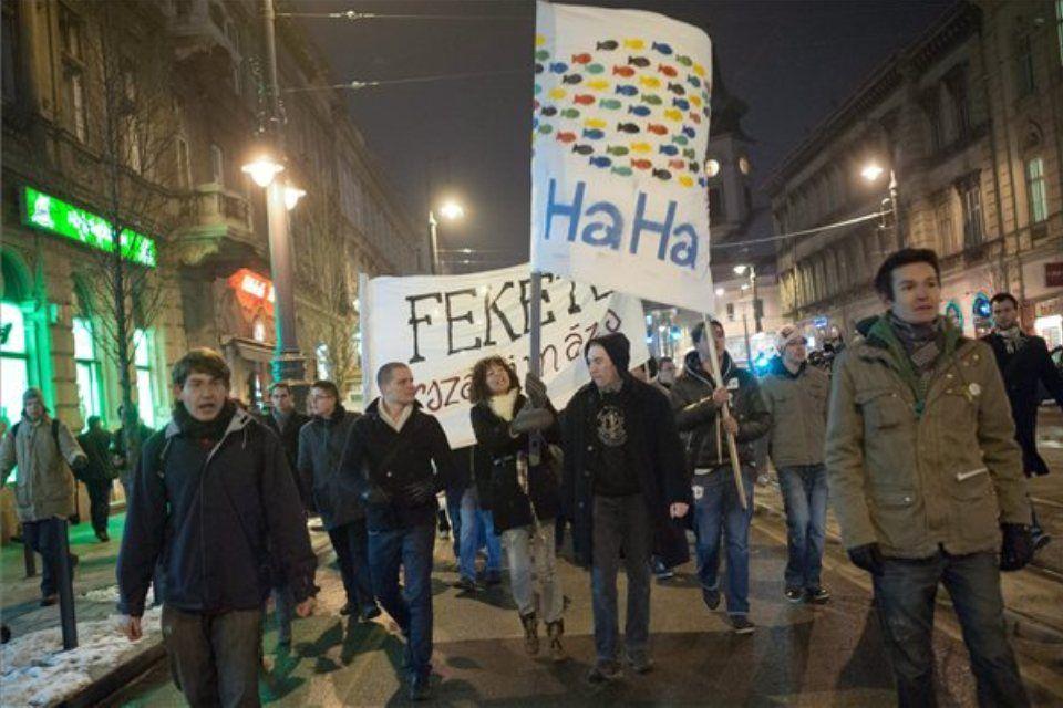 hallgatói hálózat haha demonstráció (haha, tüntetés, diáktüntetés, )