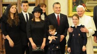 orbán család a pápánál (orbán viktor, család, pápa, )