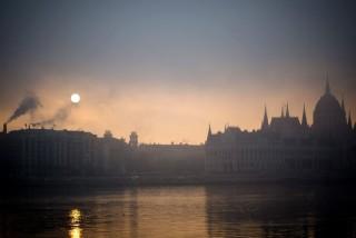 parlament-a-kodben(960x640)(3).jpg (köd, budapest, parlament, időjárás, )