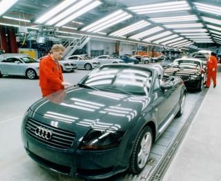 Audi-gyar(210x140)(1).jpg (audi, gyár, )