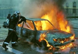 Égő autó (tűz, autó, )