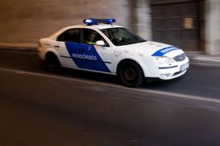 Előállítás közben mentettek életet a rendőrök (Rendőrautó, Bevetés, Rendőr)