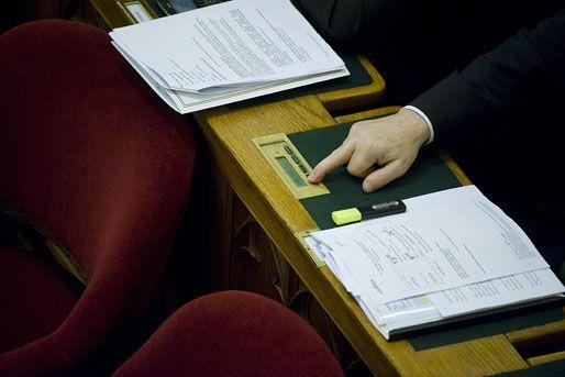 alaptörvény módosítása szavazása (alaptörvény, szavazás, )