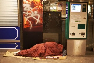 hajlektalan-aluljaroban(210x140)(1).jpg (hajléktalan aluljáróban)