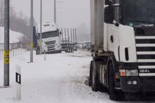 havas kamionos  (havazás, kamionbaleset, hóhelyzet, )