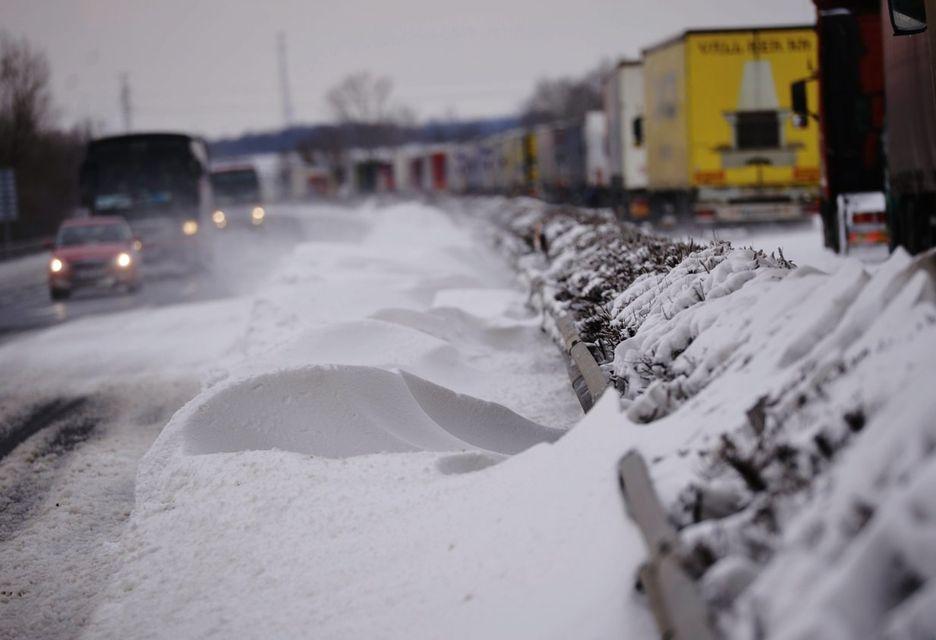 havas m1-es (havazás, hófúvás, m1-es autópálya, )