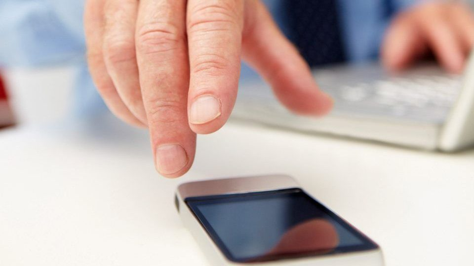 mobiltelefon (mobiltelefon, laptop, )