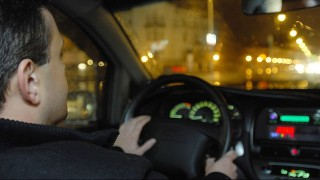 sofor(430x286)(1).jpg (sofőr, volán, vezet, vezető, autós)