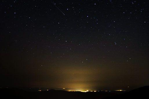 üstökös (üstökös, perseida meteorraj, )